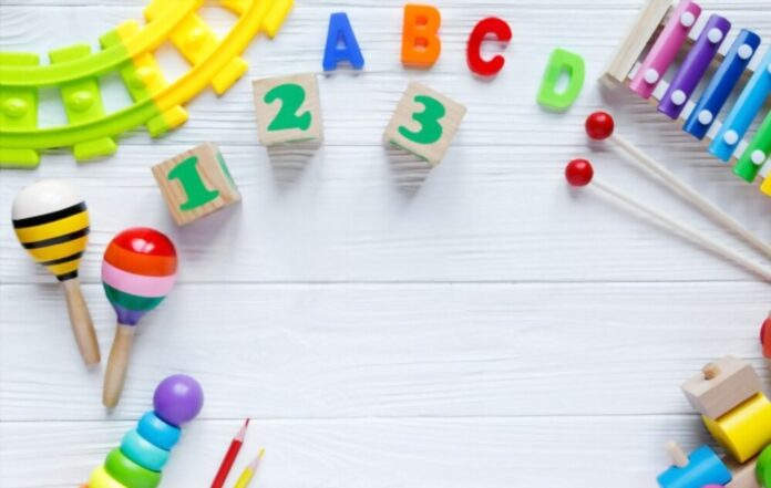 What Are the Best Educational Toys For a Newborn Baby?